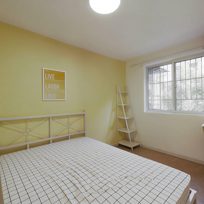 合租·齐七小区 3室1厅 南卧室图
