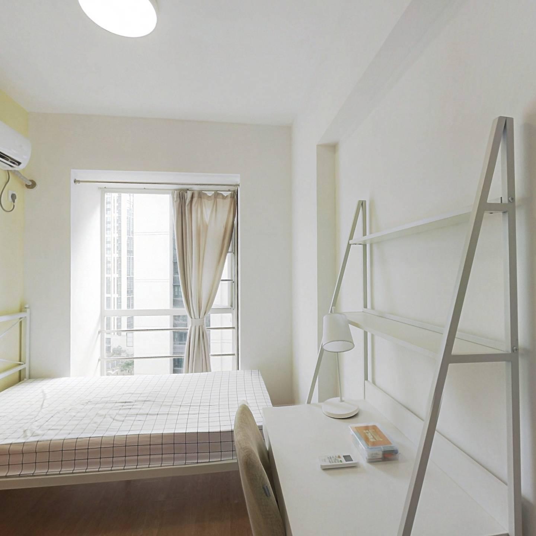 合租·锦绣香江花园山水园 4室1厅 西南卧室图