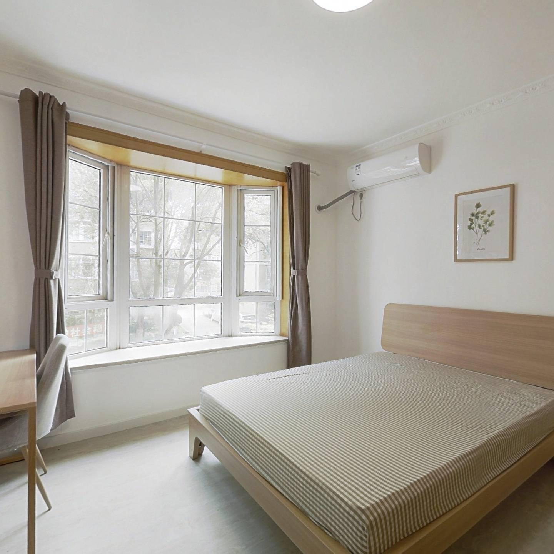 合租·龙阳花苑 3室1厅 南卧室图