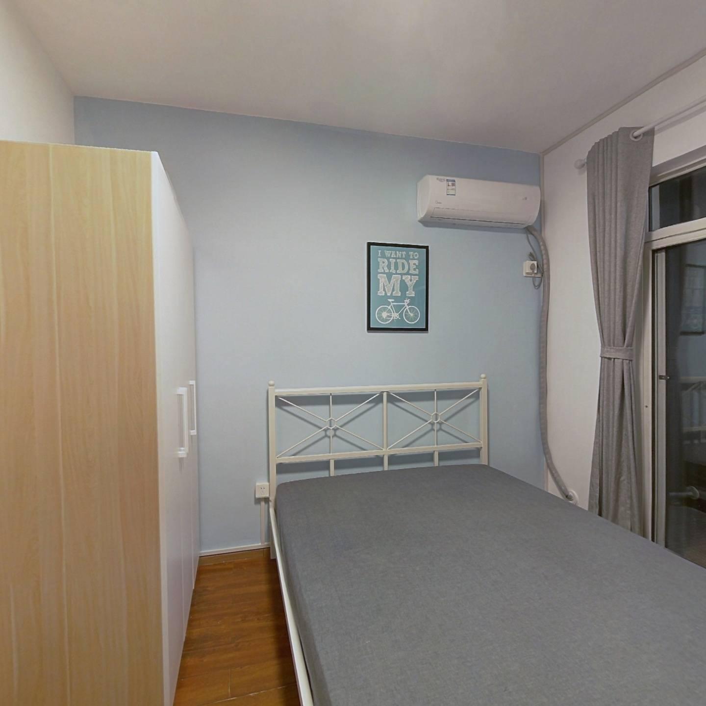合租·保利心语三期 4室1厅 西卧室图