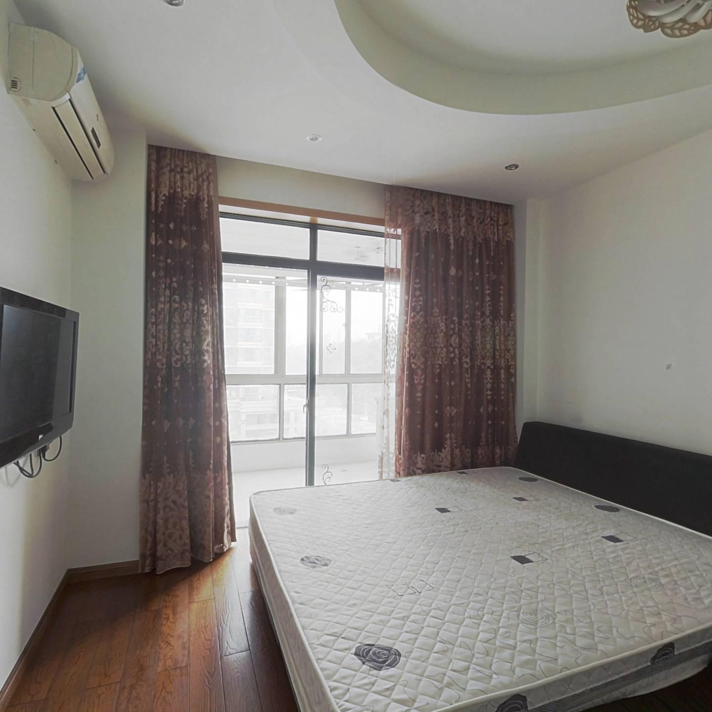 整租·新天地东区 3室1厅 南