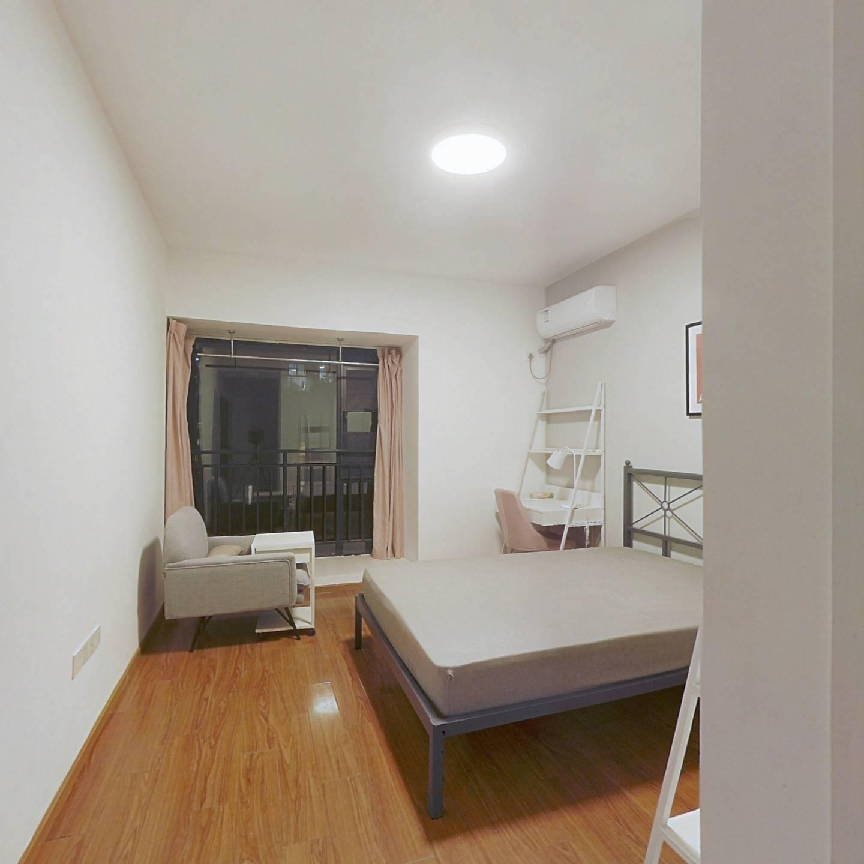 合租·027社区 5室1厅 南卧室图