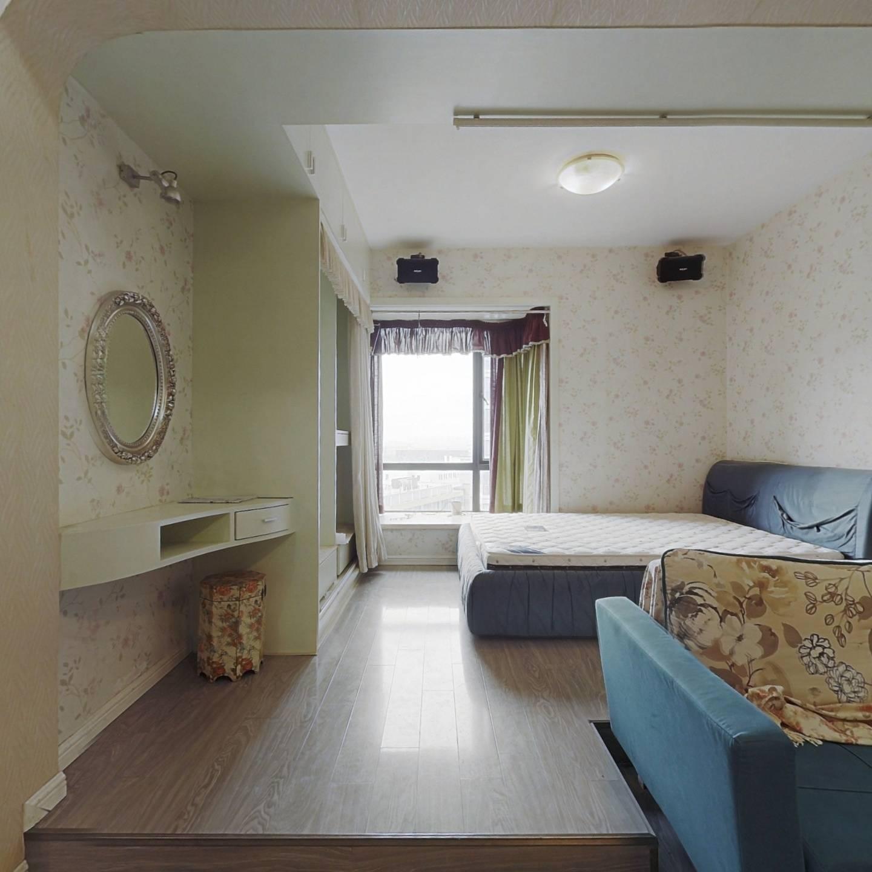 双地铁口 一中旁 湘隆精装自住一室首租 无尾款