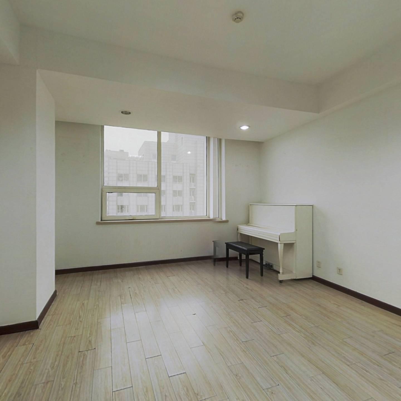 三八广场 办公室 南向 采光好有钥匙随时能看