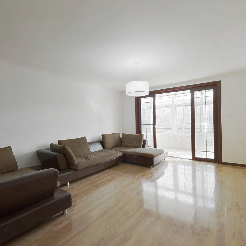 合租·龙跃苑一区 3室1厅 南卧室图