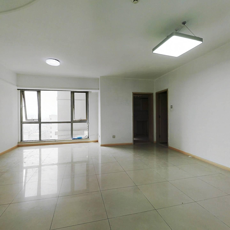 70年产权东城区东直门桥东南角东方银座三居室