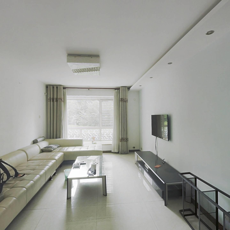 滨翔花园、精装三室、采光良好、户型方正
