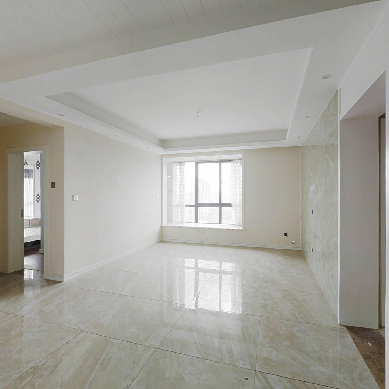 房东诚心出售,刚需必选,户型方正位置好,小区品质好
