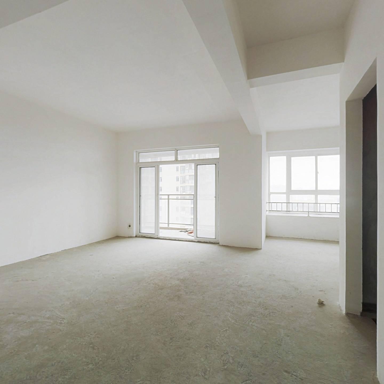 汉口湖畔毛坯二房,格局方正 ,好楼层,正对花园