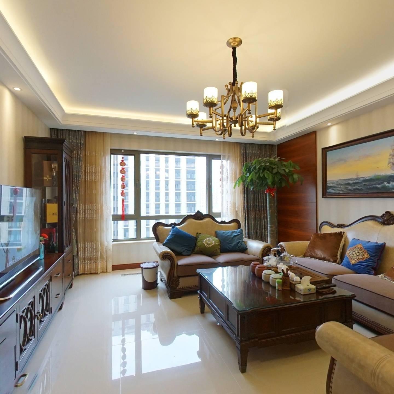 金茂悦中间楼层三居室,前后不临街,满两年