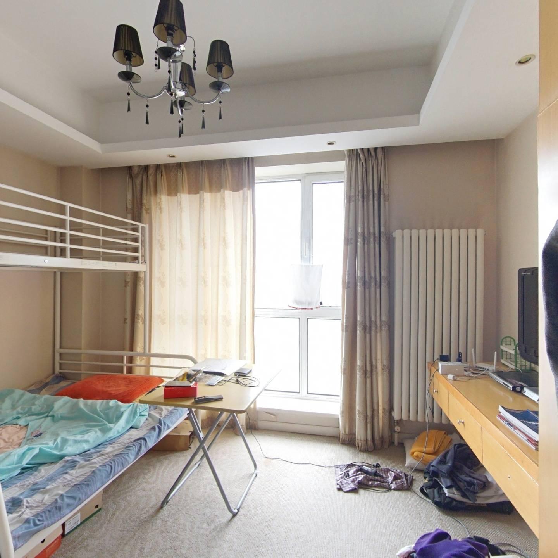 嘉和花样年华三期 一室开间 卫生间带窗户