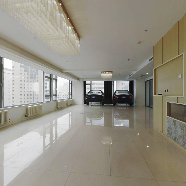 时代广场 5室2厅 440万