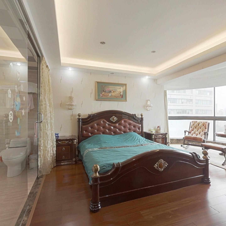 港澳中*心,高层看筼筜湖3房,客厅宽敞明亮,带大阳台
