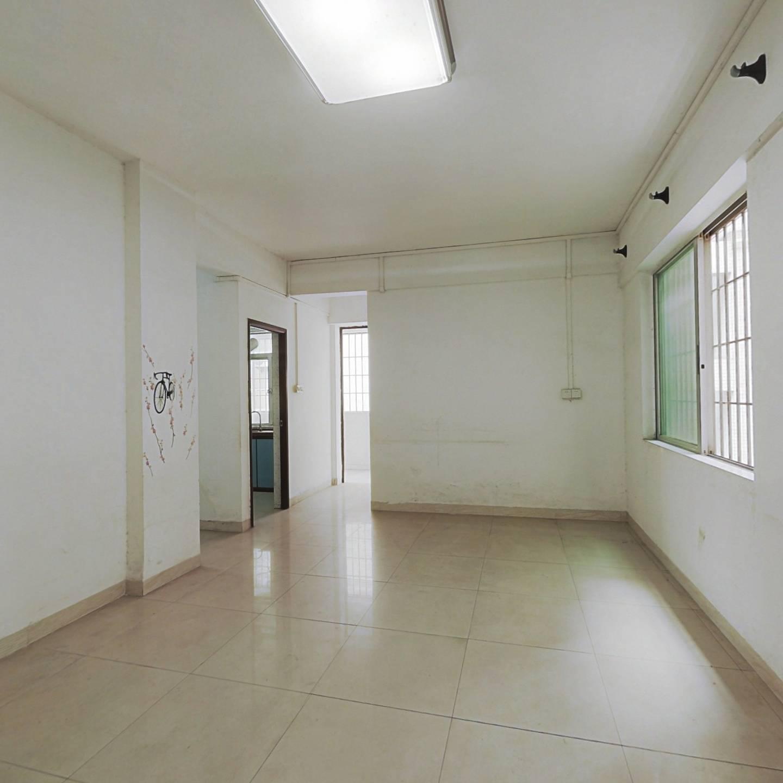 君宁大厦 电梯中层三房 生活配套完善 看房方便