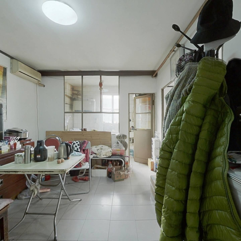 妇联小区 西南金角 户型方正 满五年公房