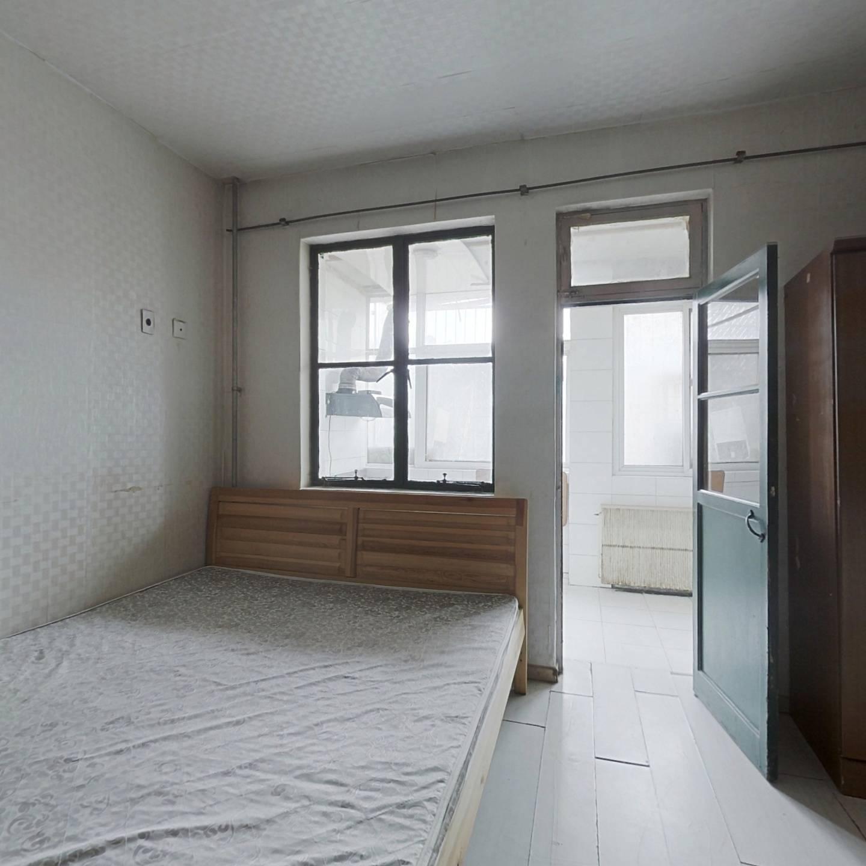 双安青年公寓 一居室 总价低 民水民电