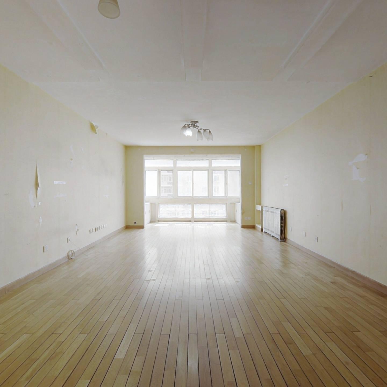 天通西苑一区 高楼层电梯三居室147.95平 商品房