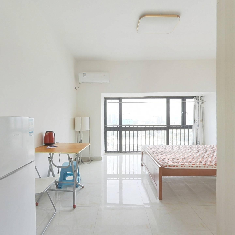 满2年少税  公寓  低市场价 精装 拎包入住
