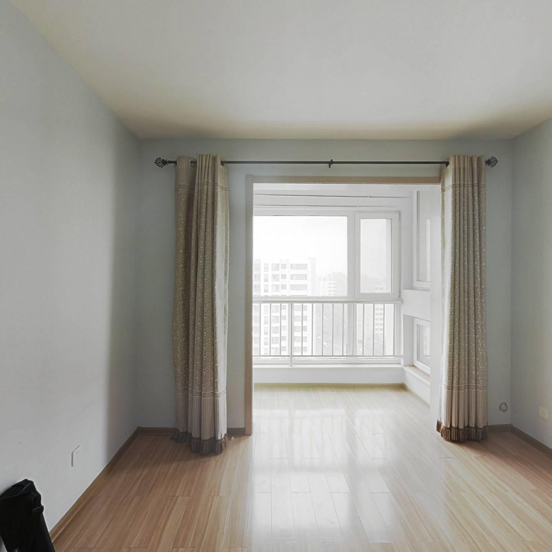名居一室精装 中高楼层 出行便利 可随时预约看房