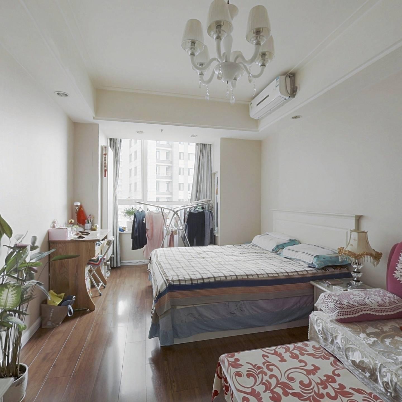 一室精装修 保持好 无遮挡 看房方便