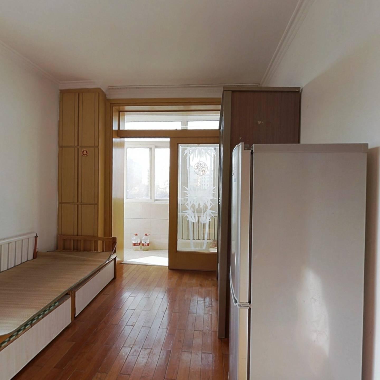 秀峰东园 2室1厅 65万