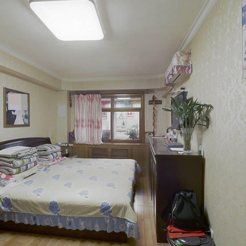 琴江公寓 一楼 南北通透 业主诚意出售