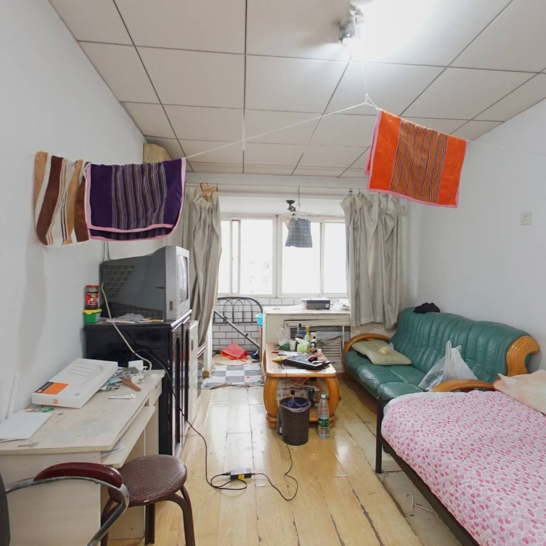 南北向全明格局三居室 适合三代人一起居住