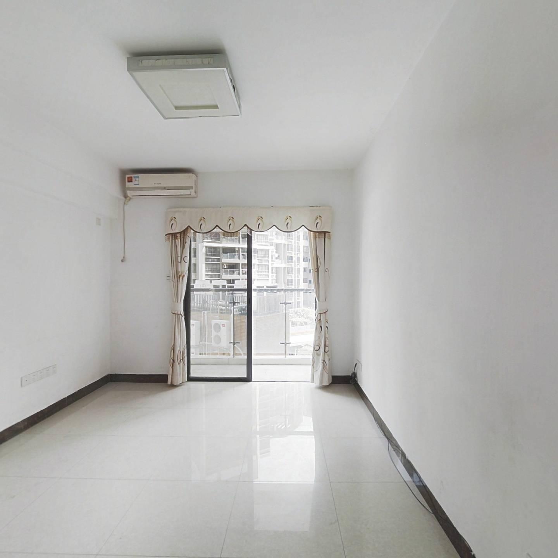 九鼎国际公寓  精装实用两房 现空置中 看房要提前约