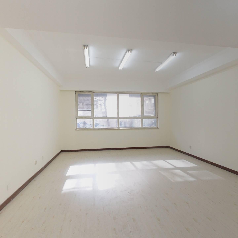 金融街金宸国际公寓,南北通透三居室