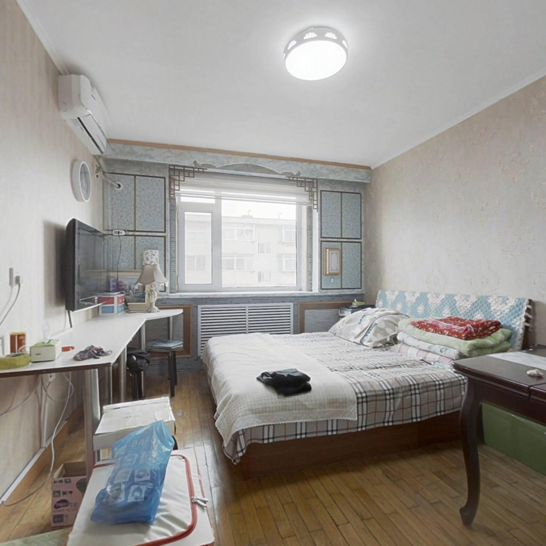 由家村  精装小房  中间楼层 随时可看