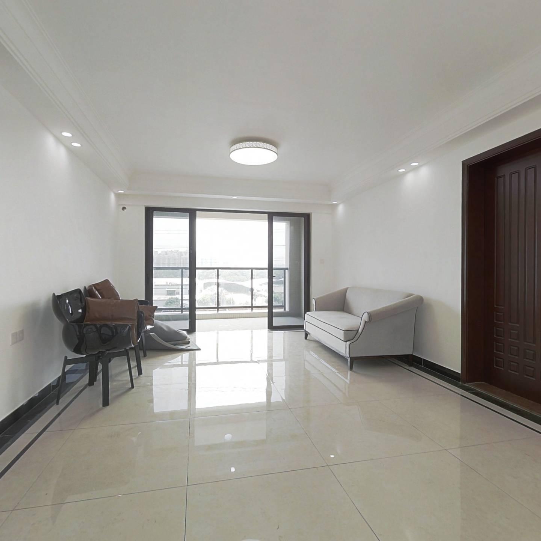 2梯2户,卧室客厅南北对流双阳台,整栋仅8层电梯板楼