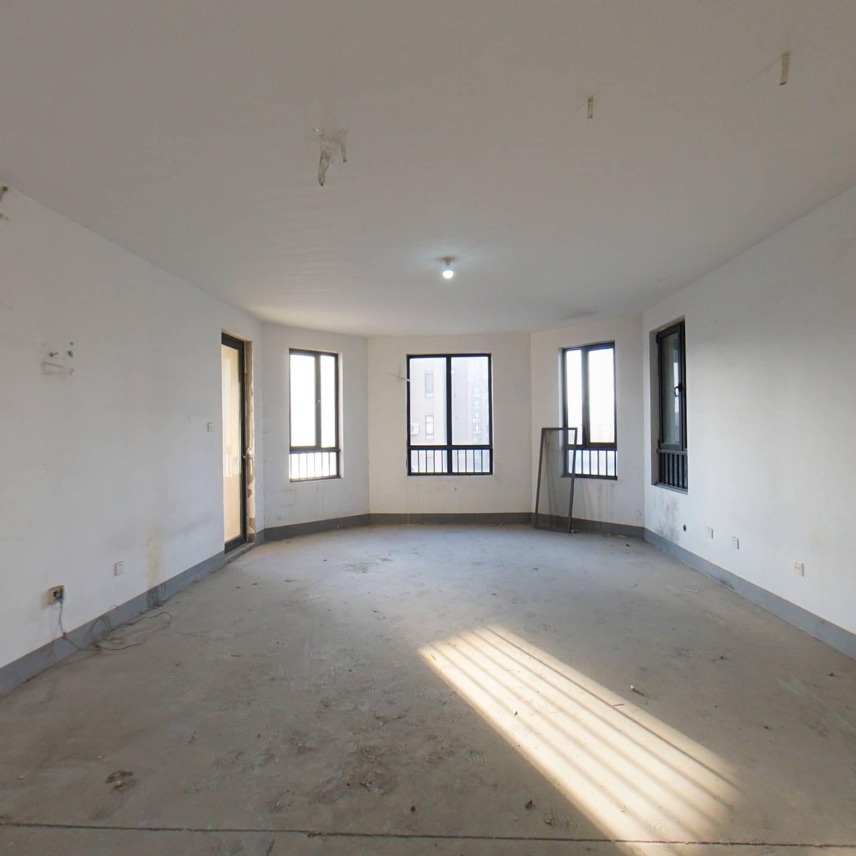 绿城百合公寓霁雪苑毛坯四居室中间楼层