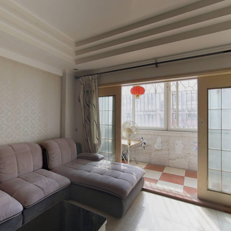 福园小区 装修保养好 顶楼两层三阳台 南北通小区中间