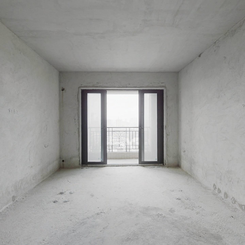 星星凯旋国际 中高楼层毛坯大三房实用 通风透气
