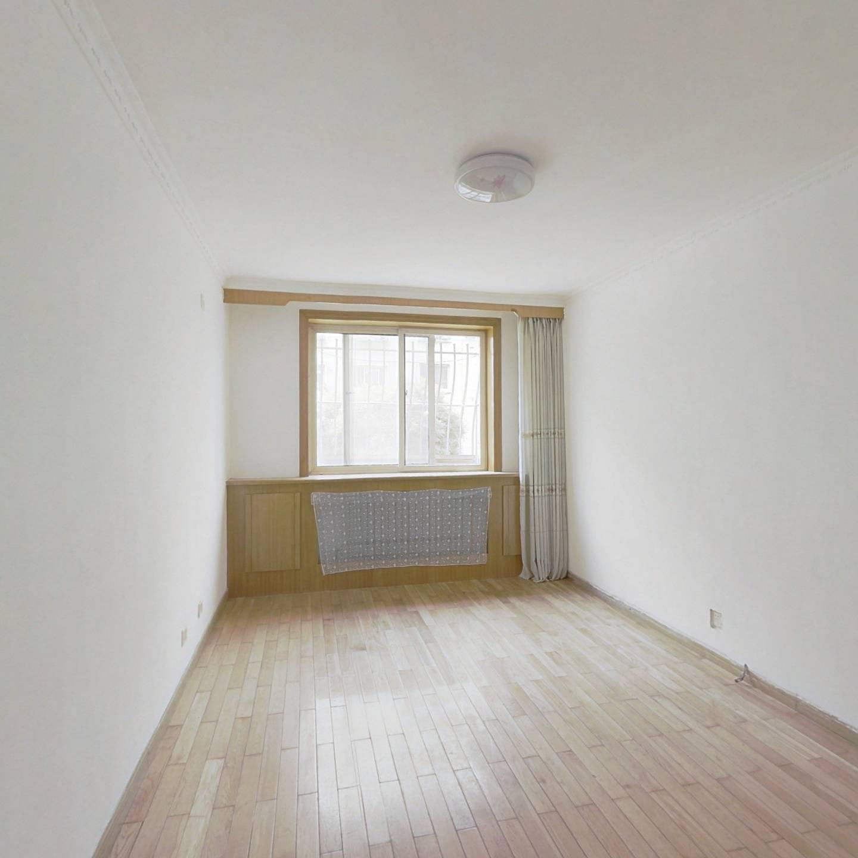 南北通透两室一厅房主诚心出售看房有钥匙近市场近公园