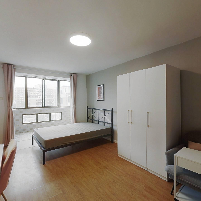 合租·日光清城 3室1厅 南卧室图