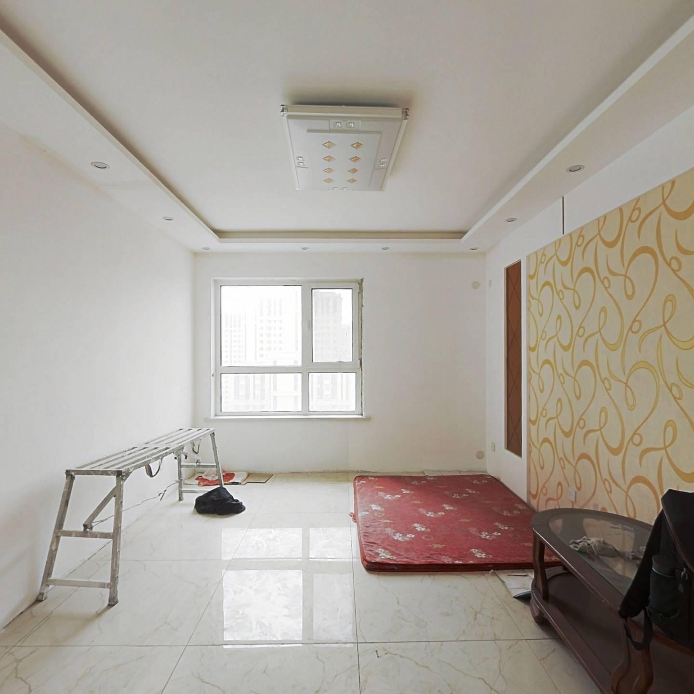 滨瑞花园 三室一厅 交通便利 环境干净舒适 适合居住