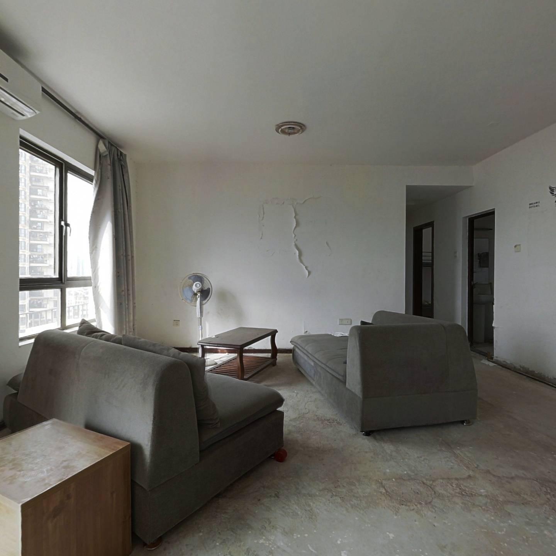 万科城三期 6室2厅 西北