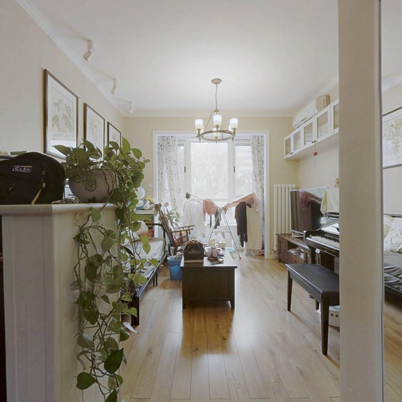 万博苑 南北通透 低楼层精装修2居室