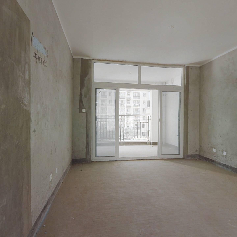清泉坝品质楼盘,正规三房中间楼层,户型方正