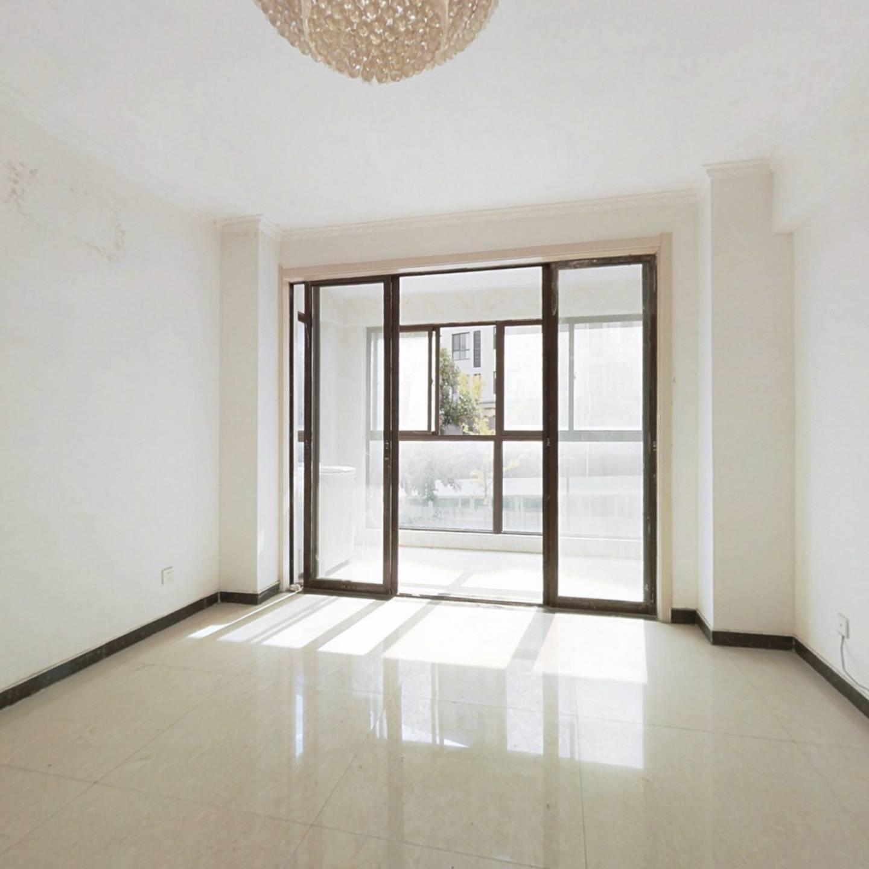 莱茵国际,大两室,简装,好户型,诚心出售