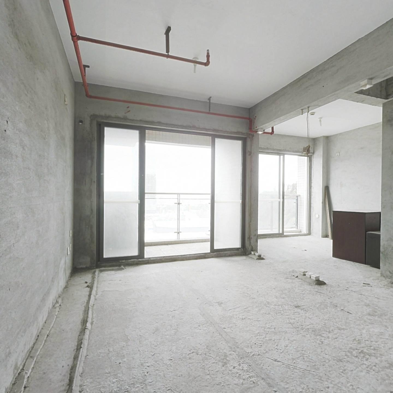 南山蛇口港 2014年小区 电梯两房