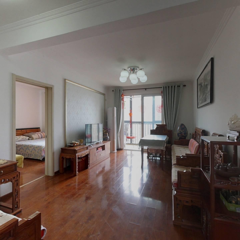 南海家园二里南北通透三居室,三室两厅两卫