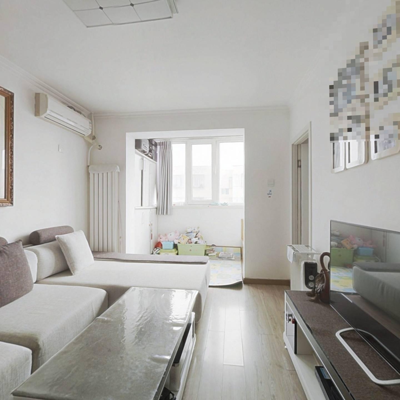 永泰东里精装修一居室,满五年唯一,采光很好