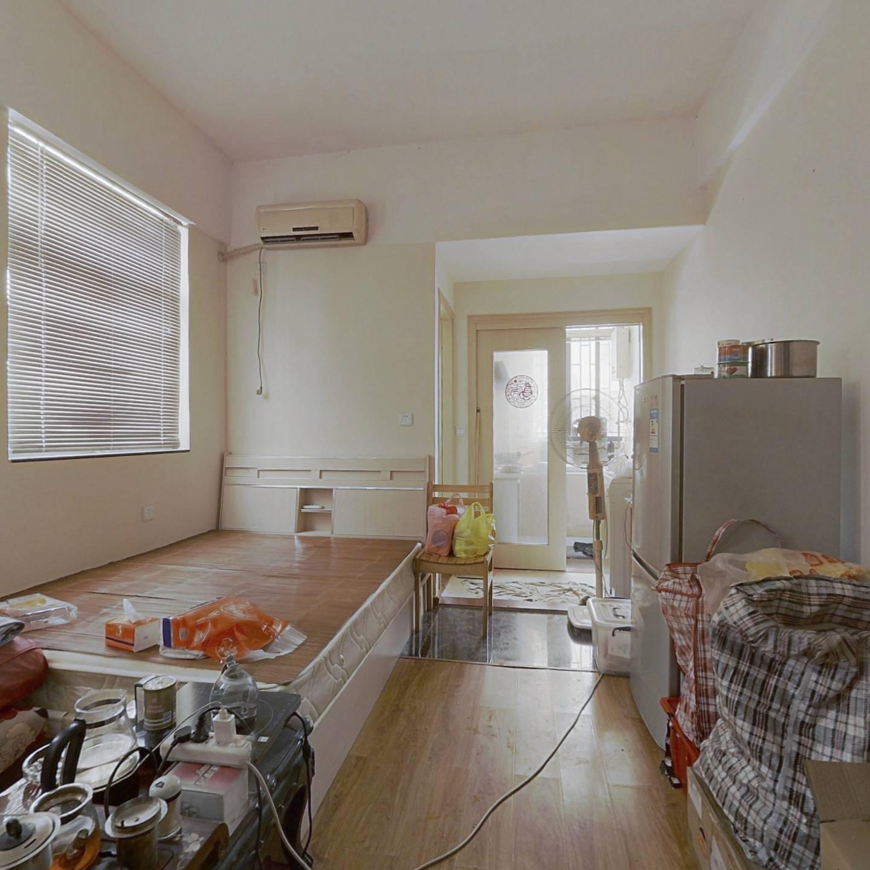 沙头角隧道口单身公寓,通透户型,交通方便,精装修