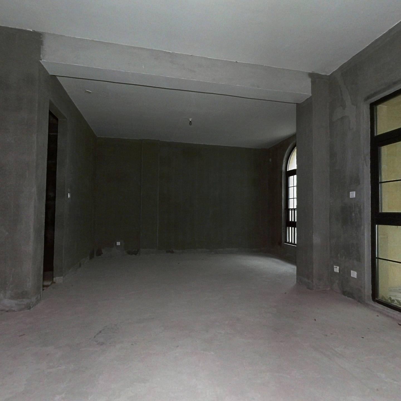 金地天悦湾,叠加别墅,毛坯房,位置安静.