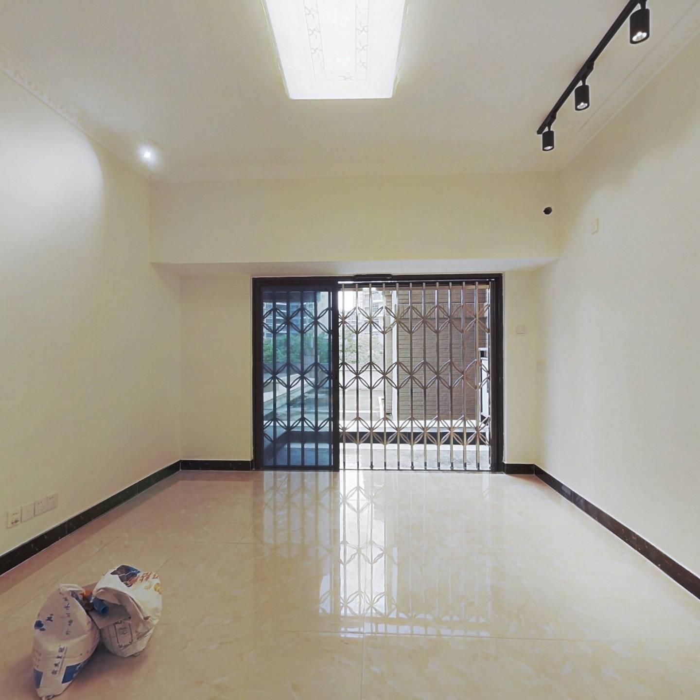 珑禧带50平米平台花园,客厅出阳台小区唯一带平台在售
