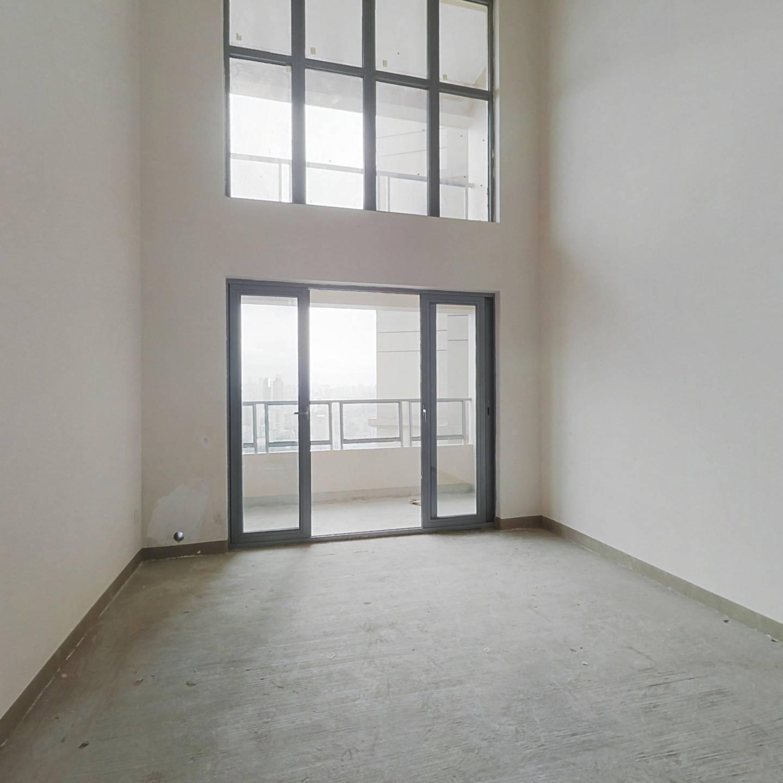 北滨路御龙天峰清水跃层四房 高楼层 户型方正采光充足