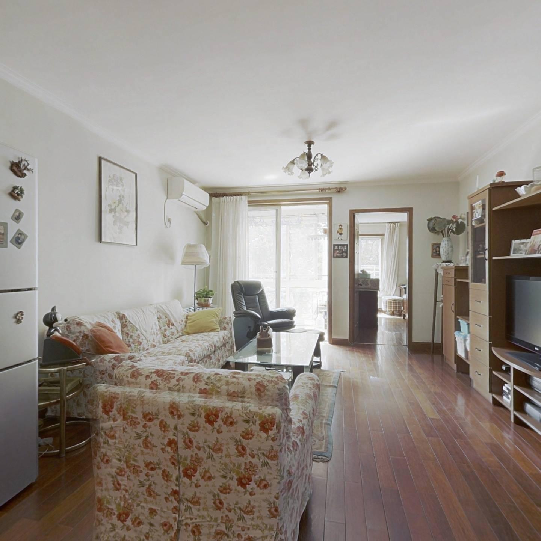 南北通透,两室一厅两卫,商品房满五年家庭一套房