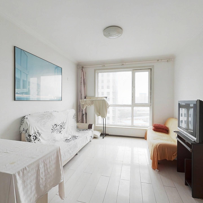 生辉标准一室一厅户型,南向,采光充足